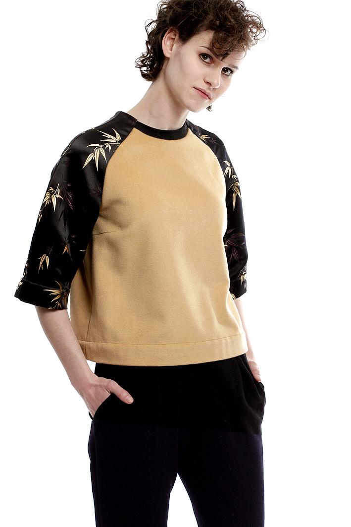 designer-sweatshirt-mit-aermeln-aus-seide-paula-immich