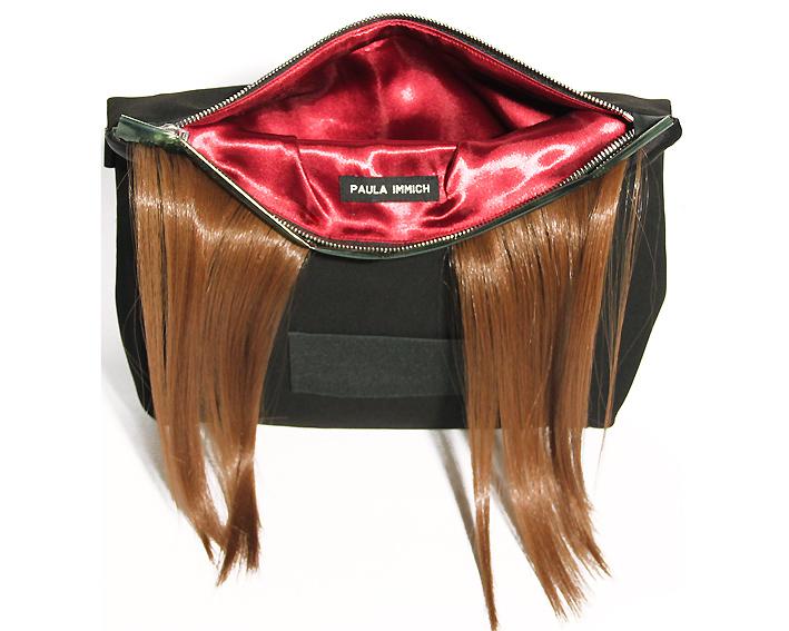 clutch-tasche-mit-kuenstlichem-haar-redhead-design-paula-immich