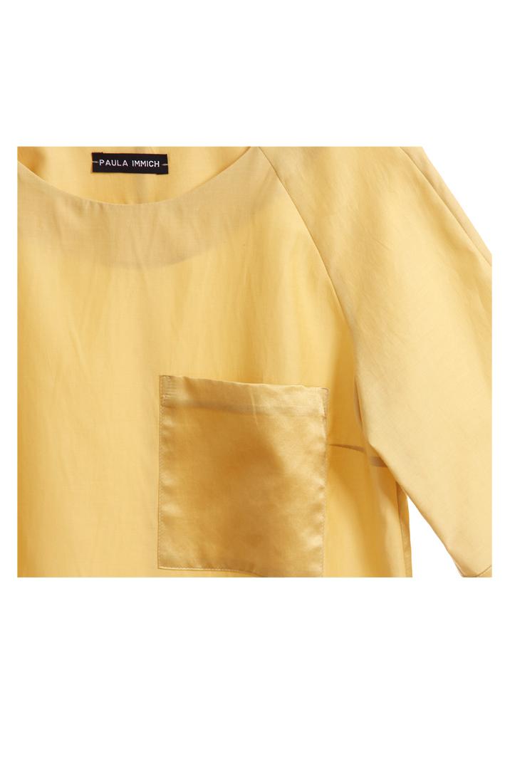 gelbes-top-aus-baumwolle-und-seide-detail-mit-Tasche-design-paula-immich