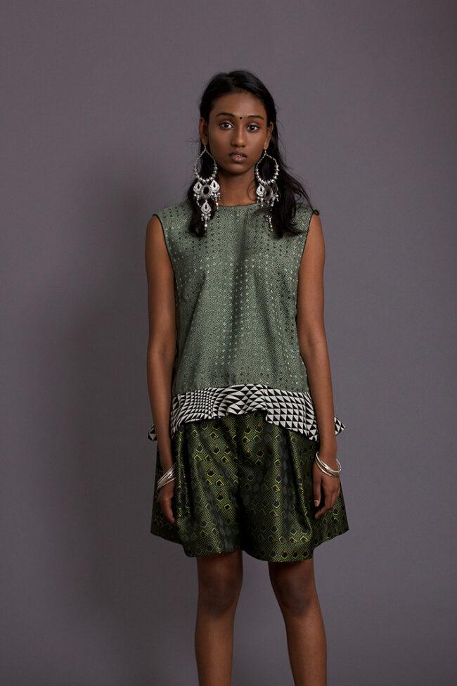 gruene-shorts-mit-muster-design-paula-immich