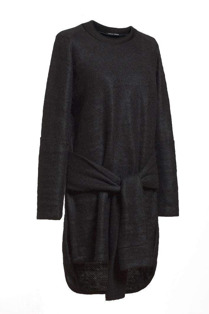 paula immich kleid aus schwarzem mohair strick