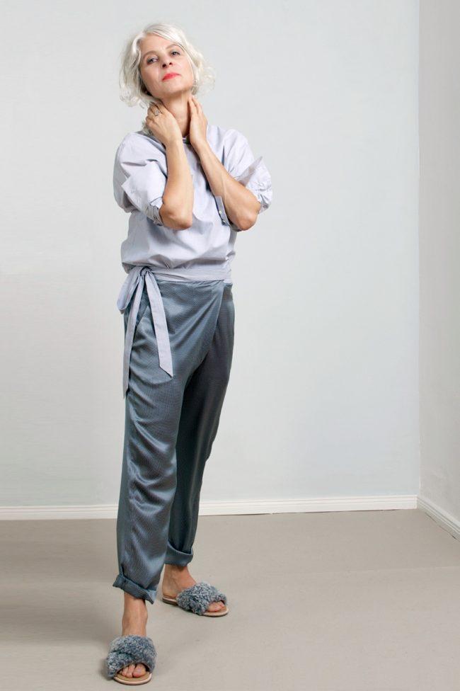 paula-immich-claudia-hofmann-pr-seidenhose-im-pyjama-stil-mit-pünktchen