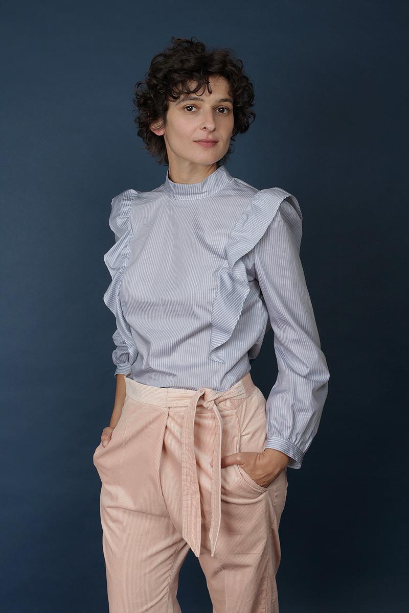 Bluse aus Baumwollstoff mit langen Ärmeln und Volants-bleu