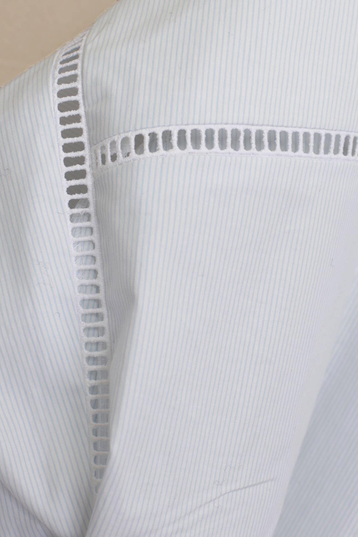 Paula-Immich-Weisses Baumwollkleid mit Hohlsaumstickerei und feinen Streifen
