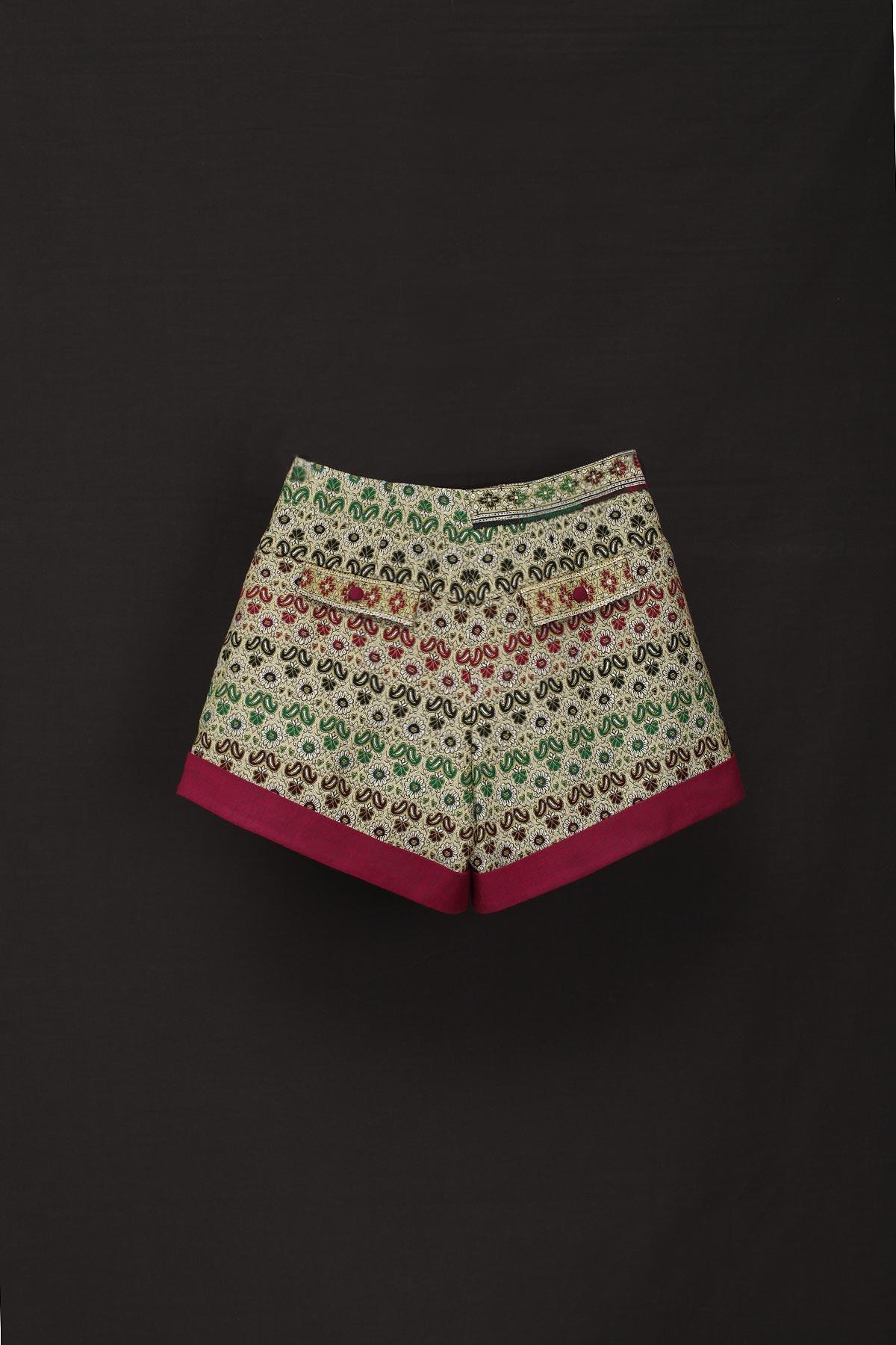 paula-immich-Shorts-zum-Wickeln-aus-indischem-Sari-Tuch